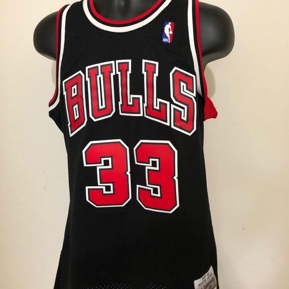 best cheap 5d354 e6cb0 Scottie Pippen Mitchell & Ness NBA Swingman Jersey NWT